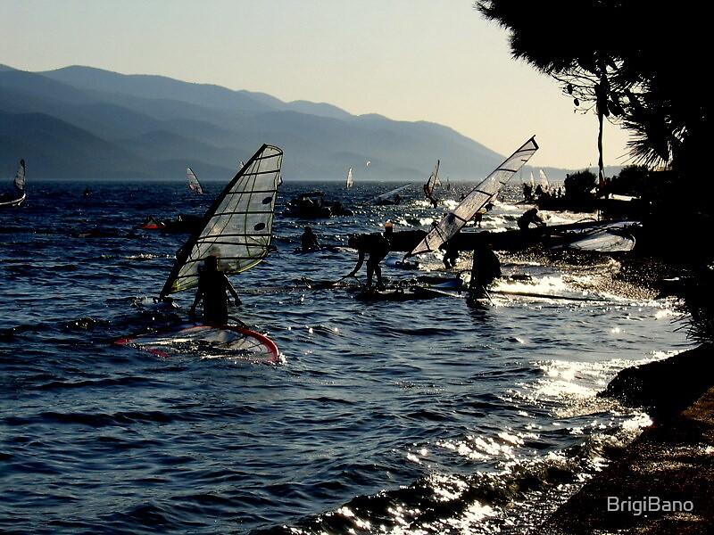 Surfers by BrigiBano