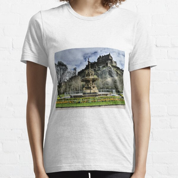 Edinburgh Castle HDR Essential T-Shirt