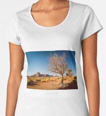 Golden hour at Monument Valley Women's Premium T-Shirt
