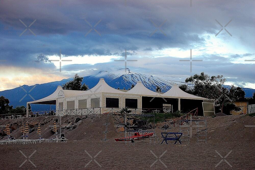 Etna by loiteke