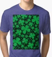Camiseta de tejido mixto Un campo de trébol para el día de San Patricio