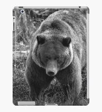 Grizzly Bear - B & W iPad Case/Skin