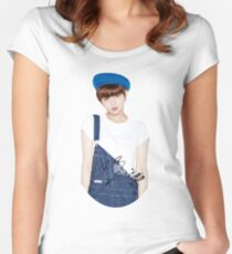TWICE - Jeongyeon With Signature Women's Fitted Scoop T-Shirt