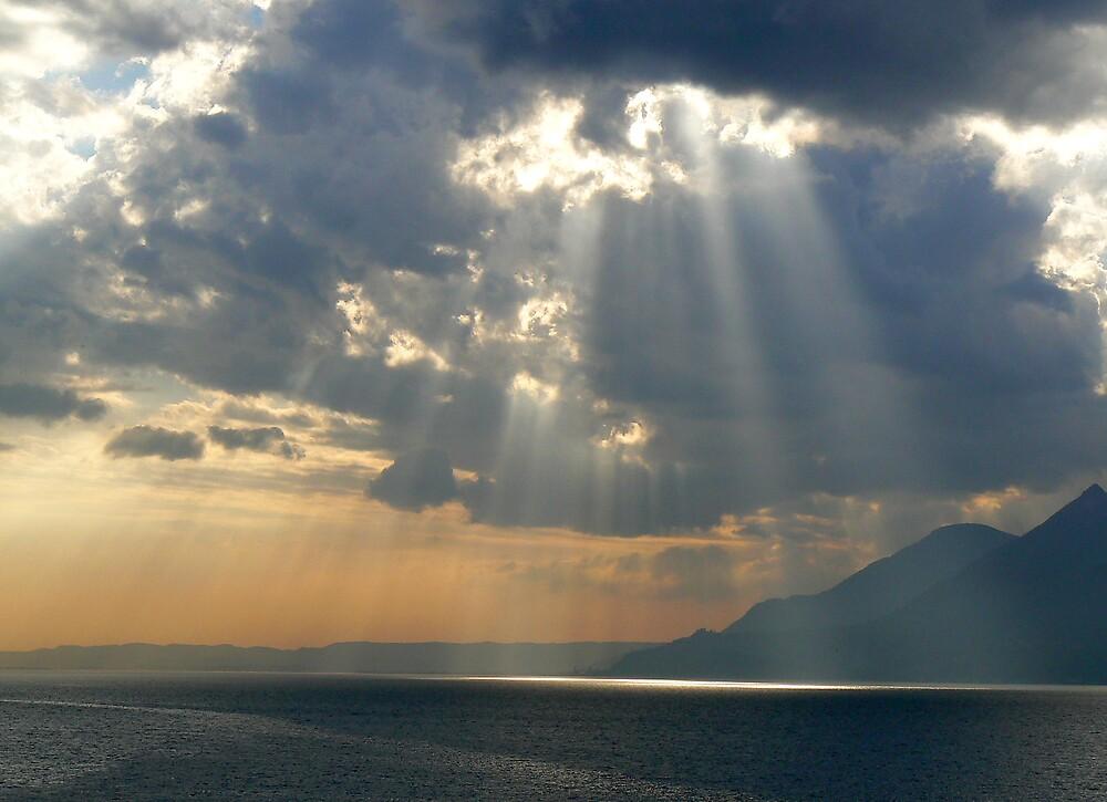 Sunrays over Lake Garda by JPPhotography