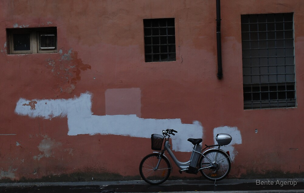 The motor bike by Bente Agerup