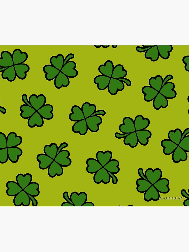 Lucky Four Leaf Clover Pattern by evannave