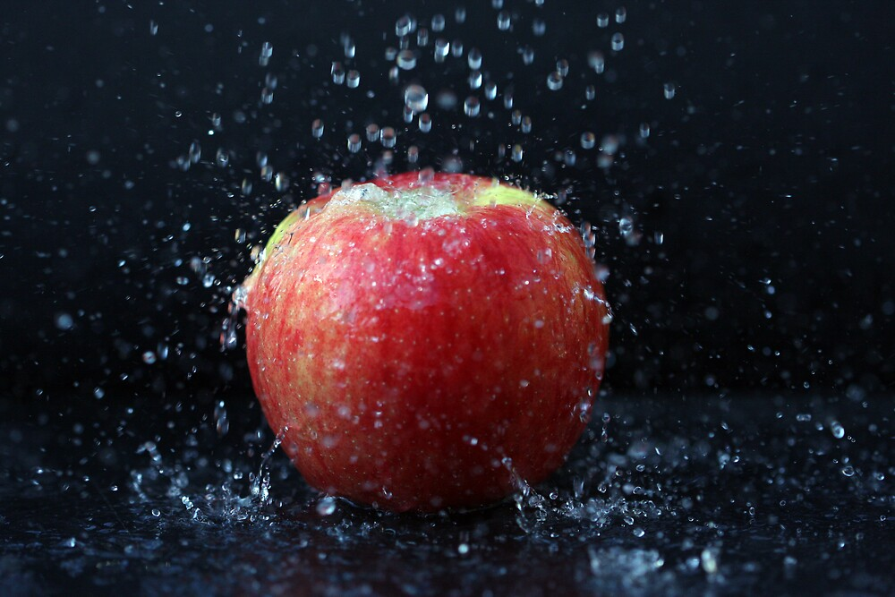 Washed Apple by noffi