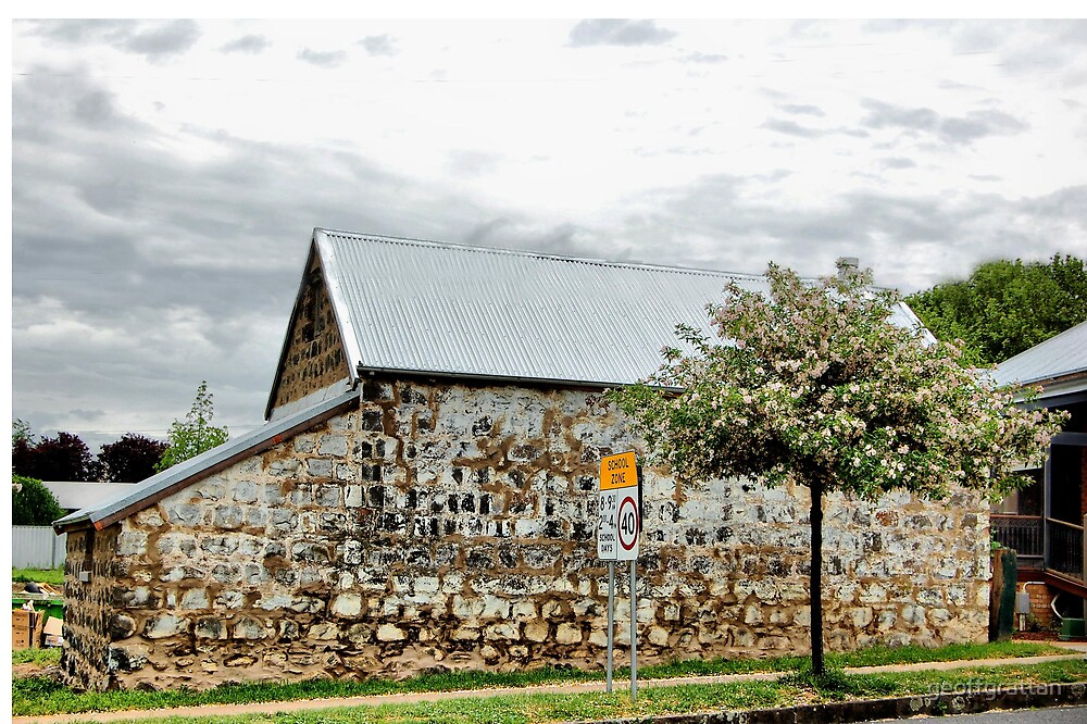 old stone building in Milthorpe nsw by geoffgrattan