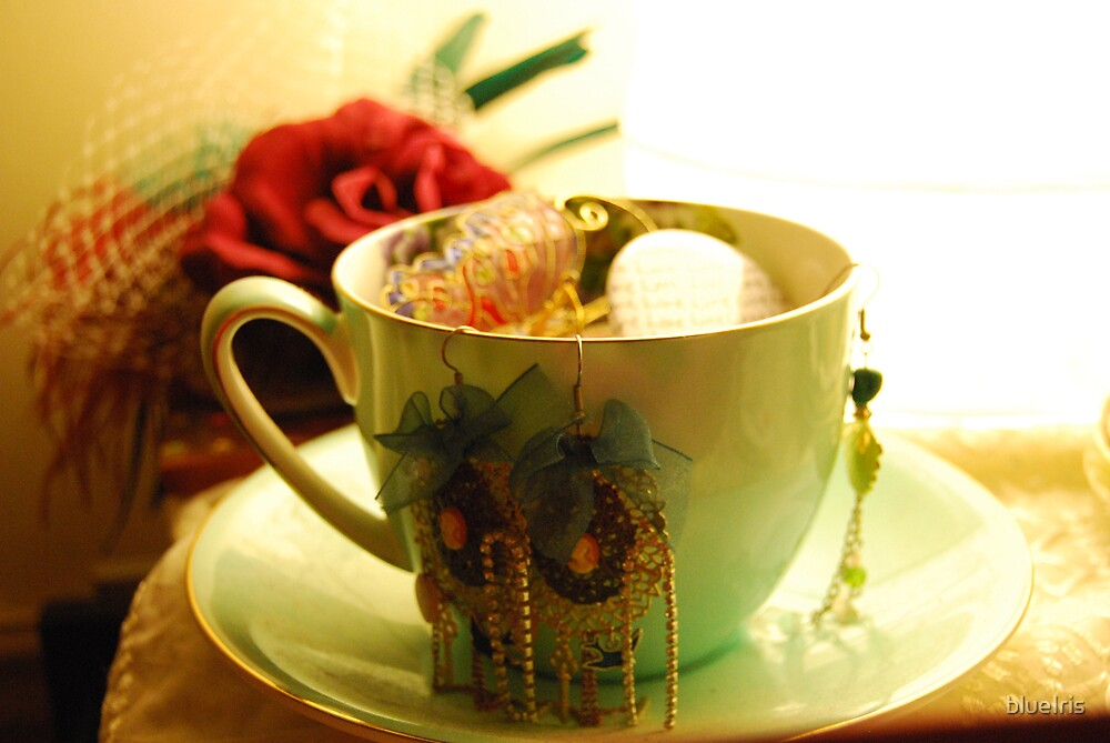 tea cup 2 by blueIris