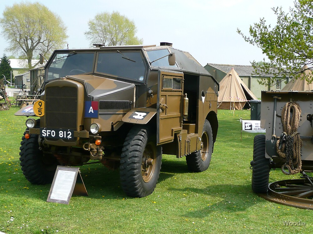 25PDR tractor (photo) by Woodie