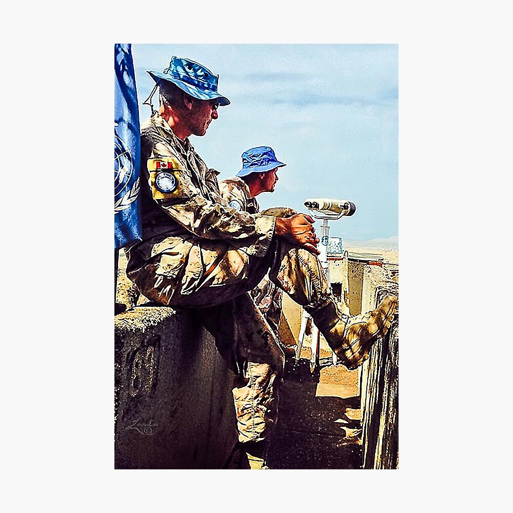 UN SOLDIERS OVERLOOKING SYRIAN BORDER (Golan Heights, Israel) Photographic Print