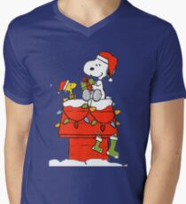 Snoopy Christmas Men's V-Neck T-Shirt