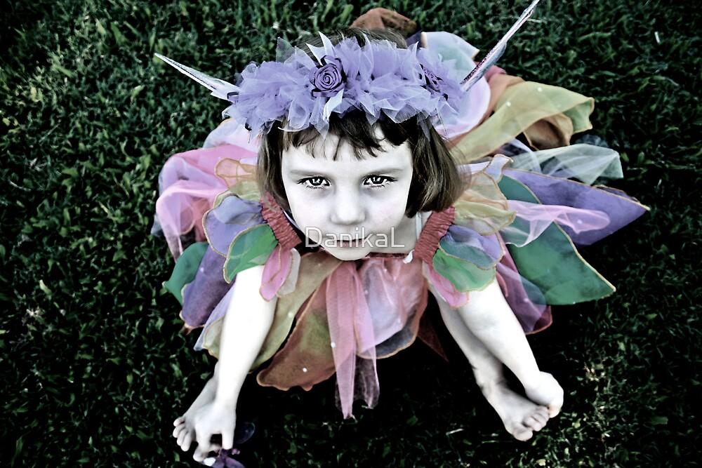 Forelorn Fairy by DanikaL