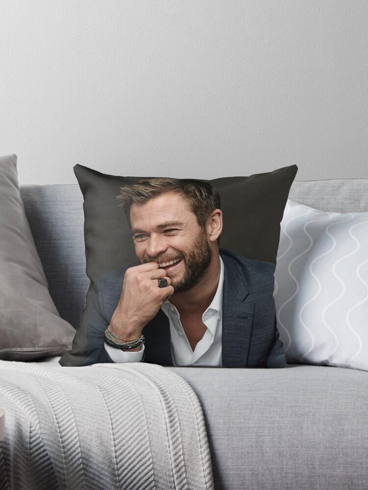 Chris Hemsworth by Memesense