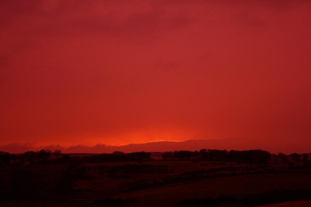 Red sky,Dartmoor. by Amanda Gazidis