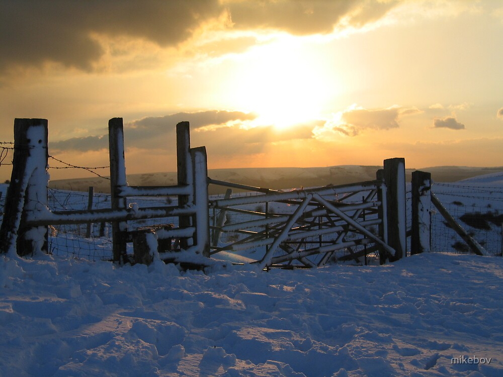 Caburn summit snow by mikebov
