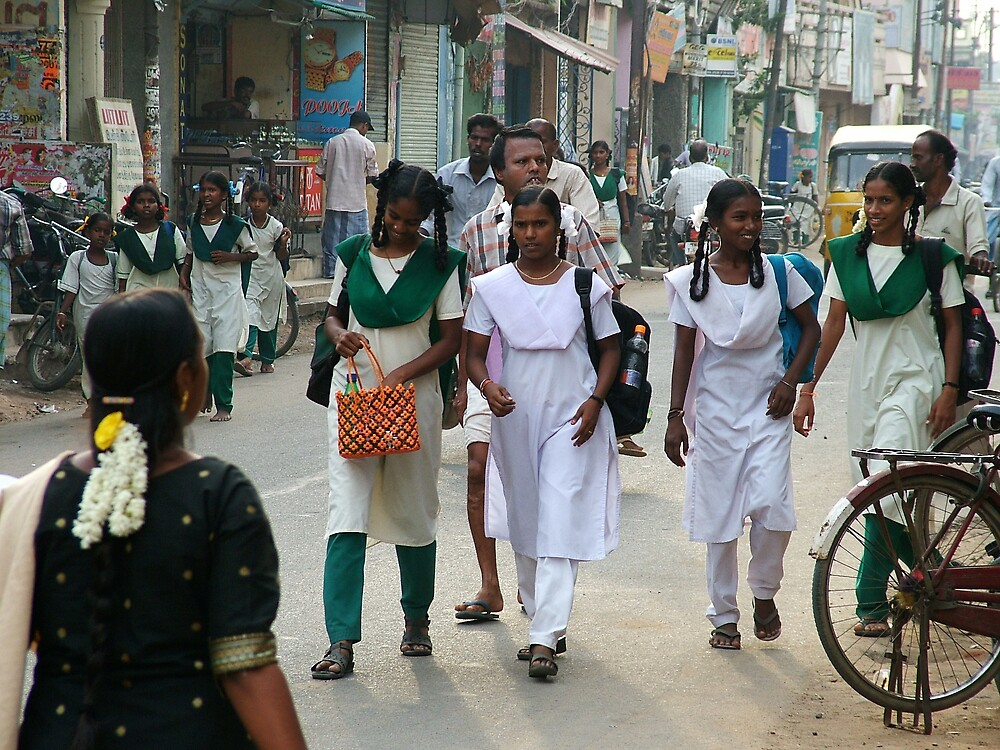 4 Girl in Busy Street in Cuddalore by thesmiff