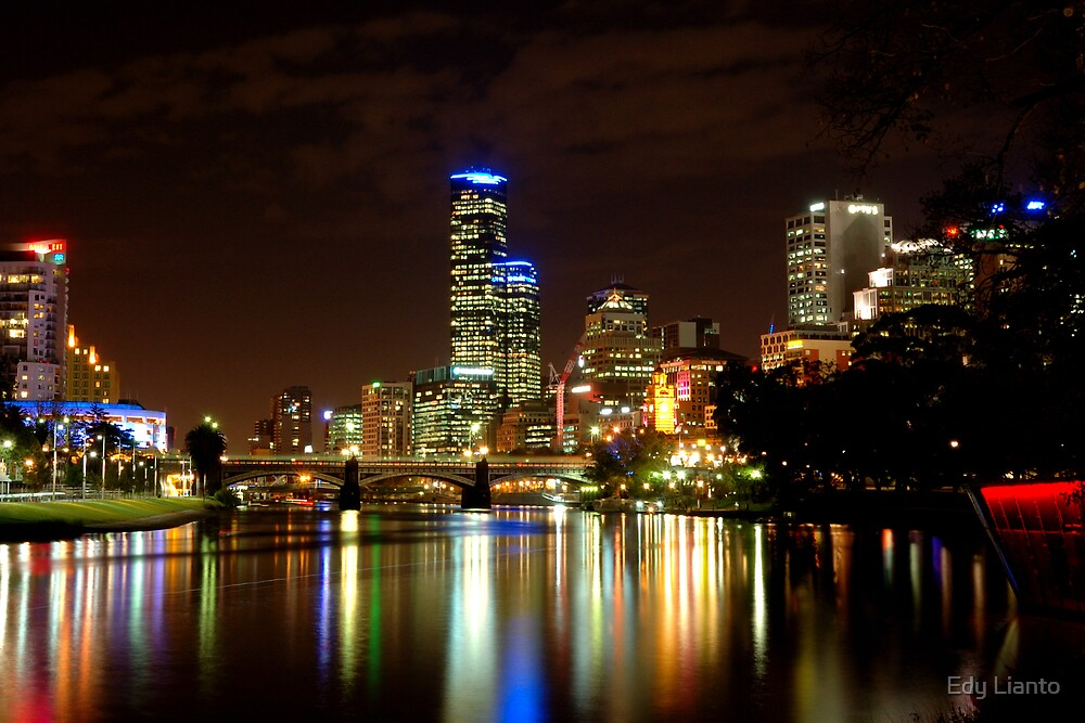 Melbourne at Night by Edy Lianto