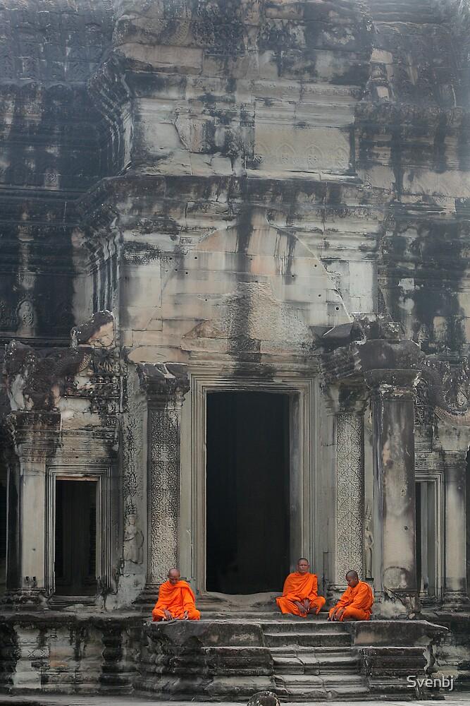 Angkor Wat Monks by Svenbj