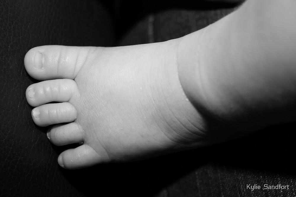 twinkle toes by Kylie  Sandfort