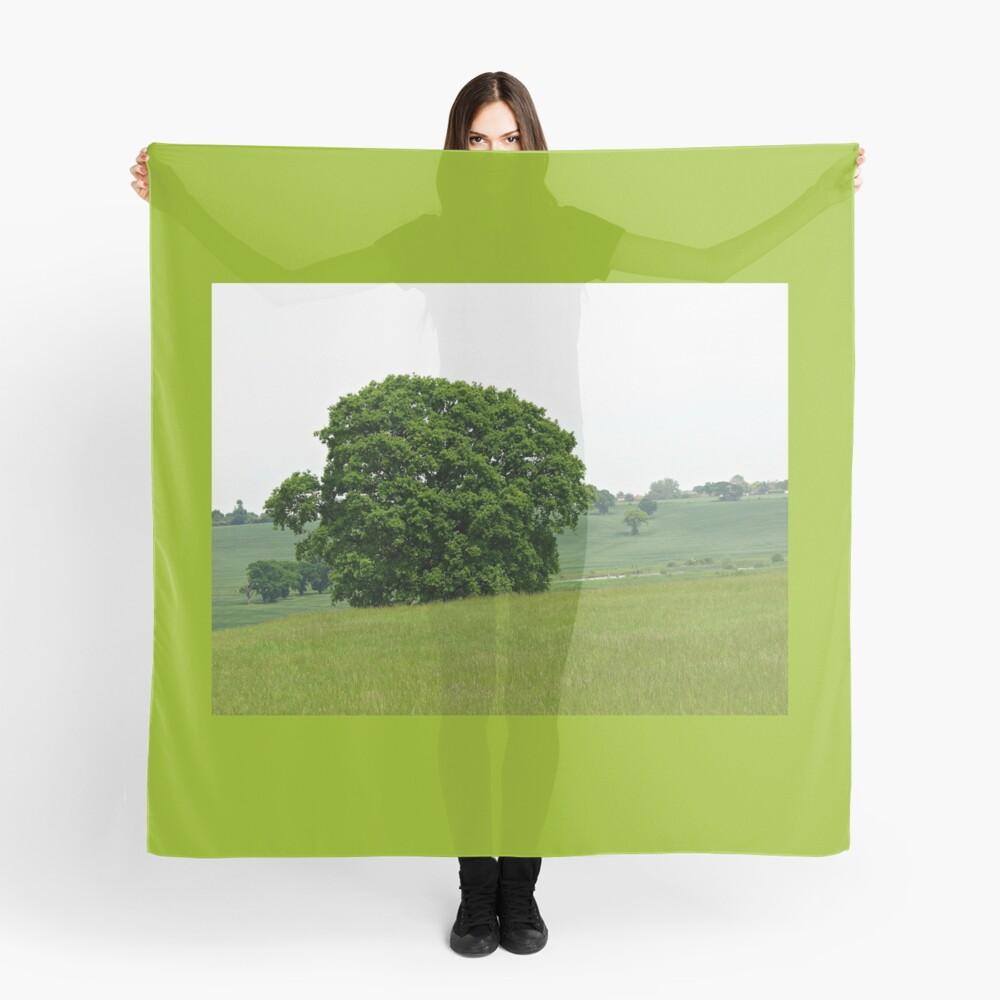 Hillside View - Einsamer Baum Tuch