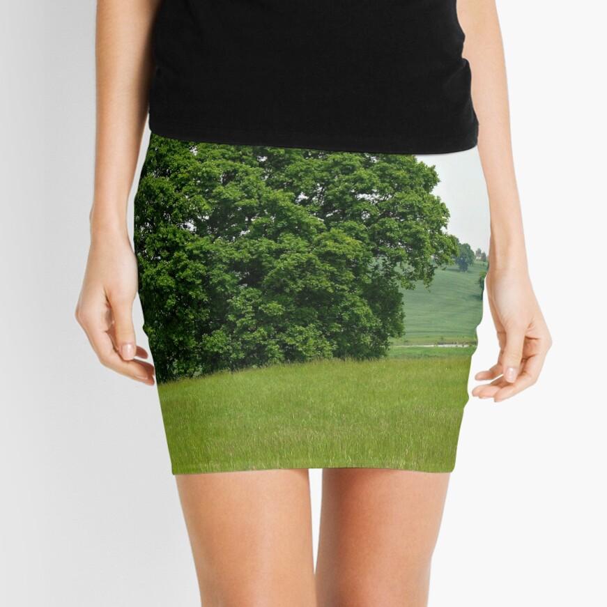 Hillside View - Einsamer Baum Minirock