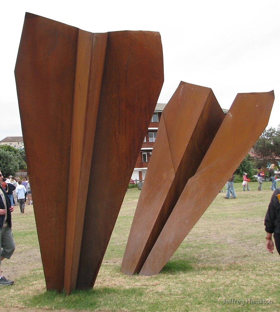 "Sculpture x the Sea: ""Gravity"" by Jeffrey Hamilton"