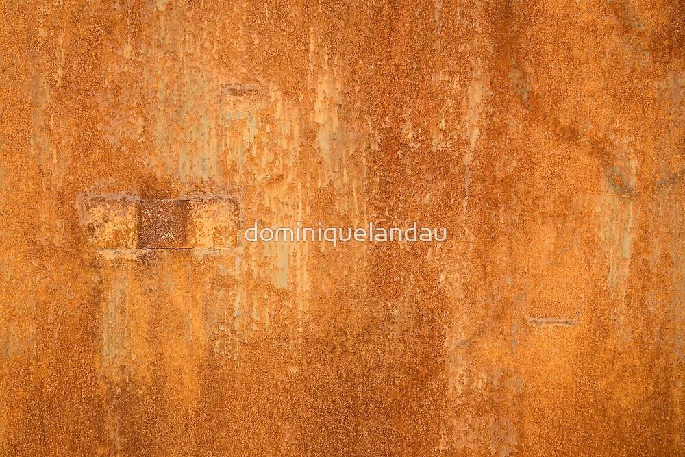 Rusty wall by dominiquelandau