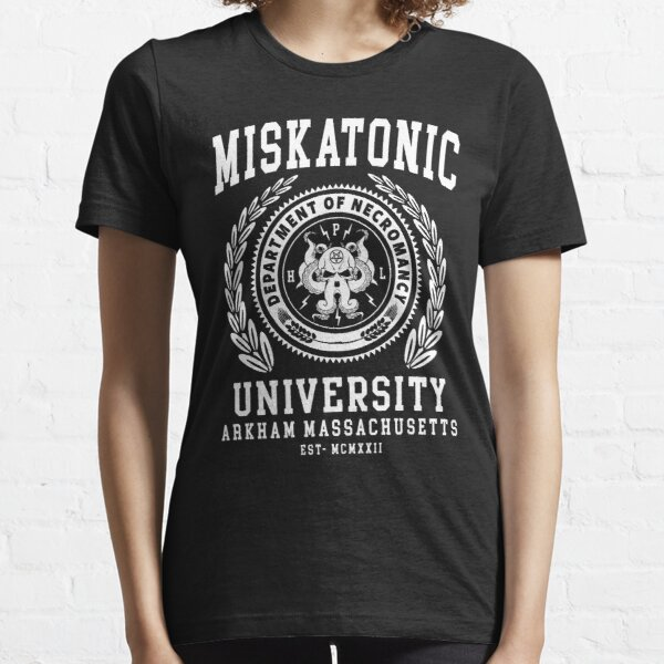 CTHULU AND LOVECRAFT - MISKATONIC UNIVERSITY Essential T-Shirt