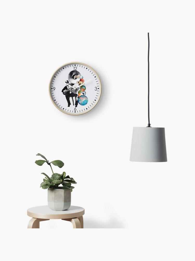 DMT Elf | Clock