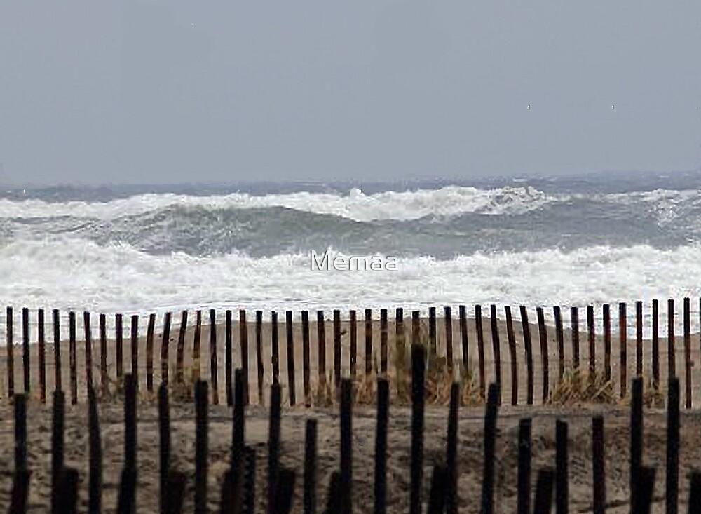 Angry Sea by Memaa