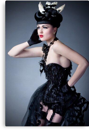 Viktoria Modesta - Bird by phantomorchid