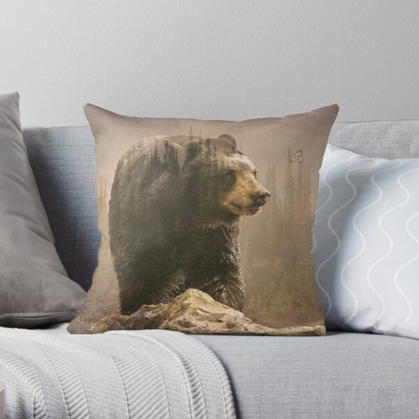 Bear wonders Throw Pillow
