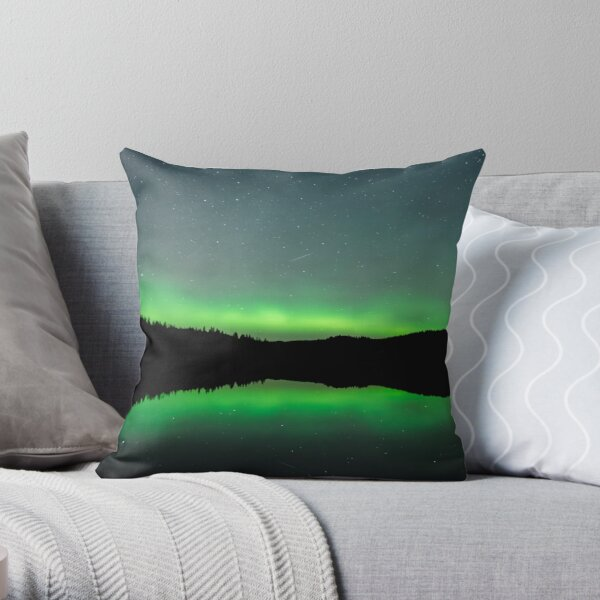 Lady Aurora and the shooting star Throw Pillow