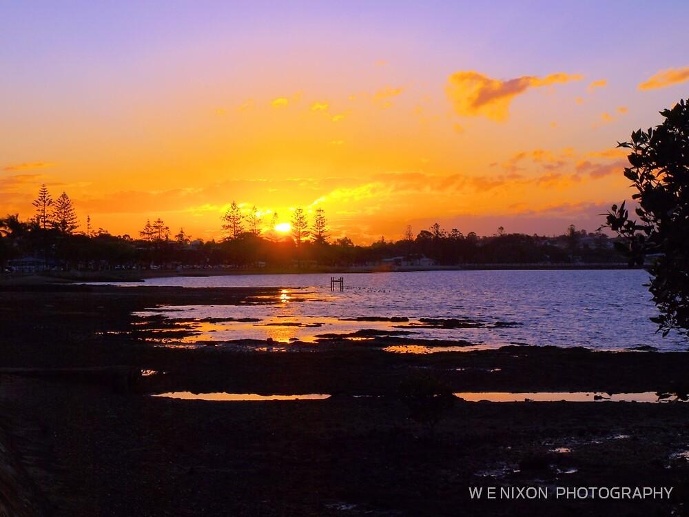 Wynnum Sunset by W E NIXON  PHOTOGRAPHY