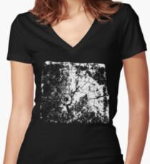 Cracked Wood Creature - Shee Texture / Pattern Women's Fitted V-Neck T-Shirt