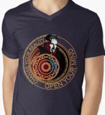 Camiseta de cuello en V Dr. Strange