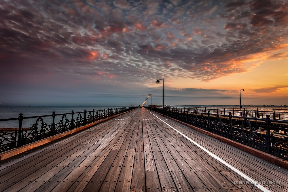 Sunrise On Ryde Pier by manateevoyager