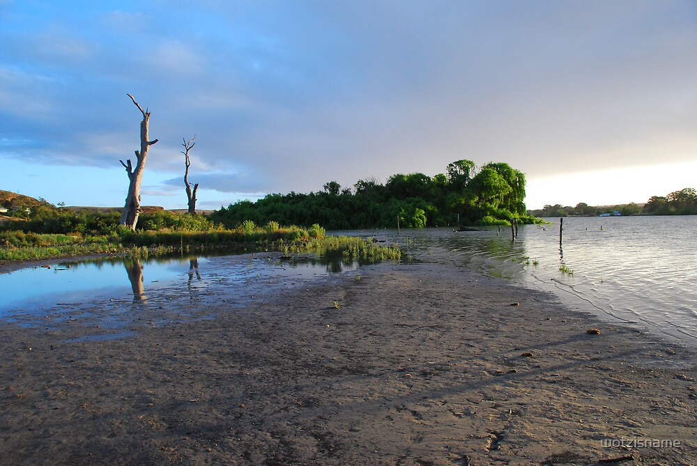 River Murray  by wotzisname