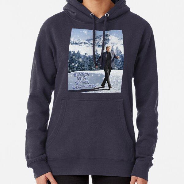 Walken in einem Winterwunderland Hoodie