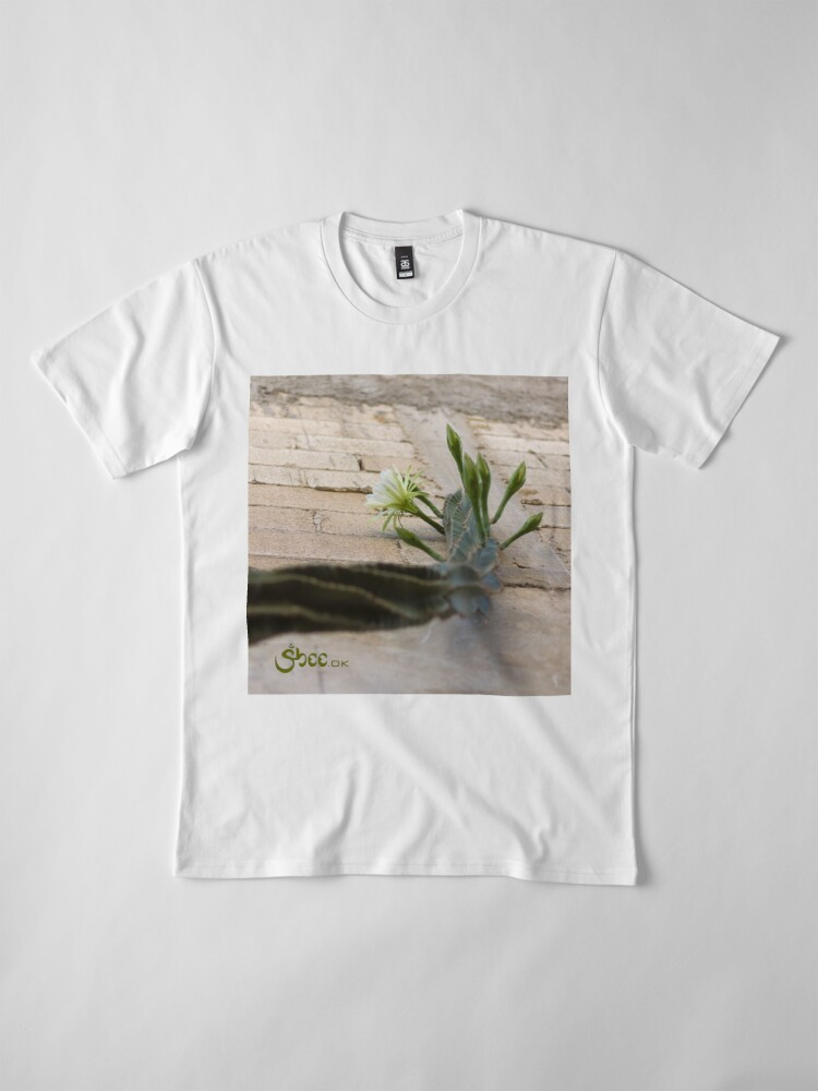 Alternate view of Princess of the Night - Blooming against Urban Wall Premium T-Shirt