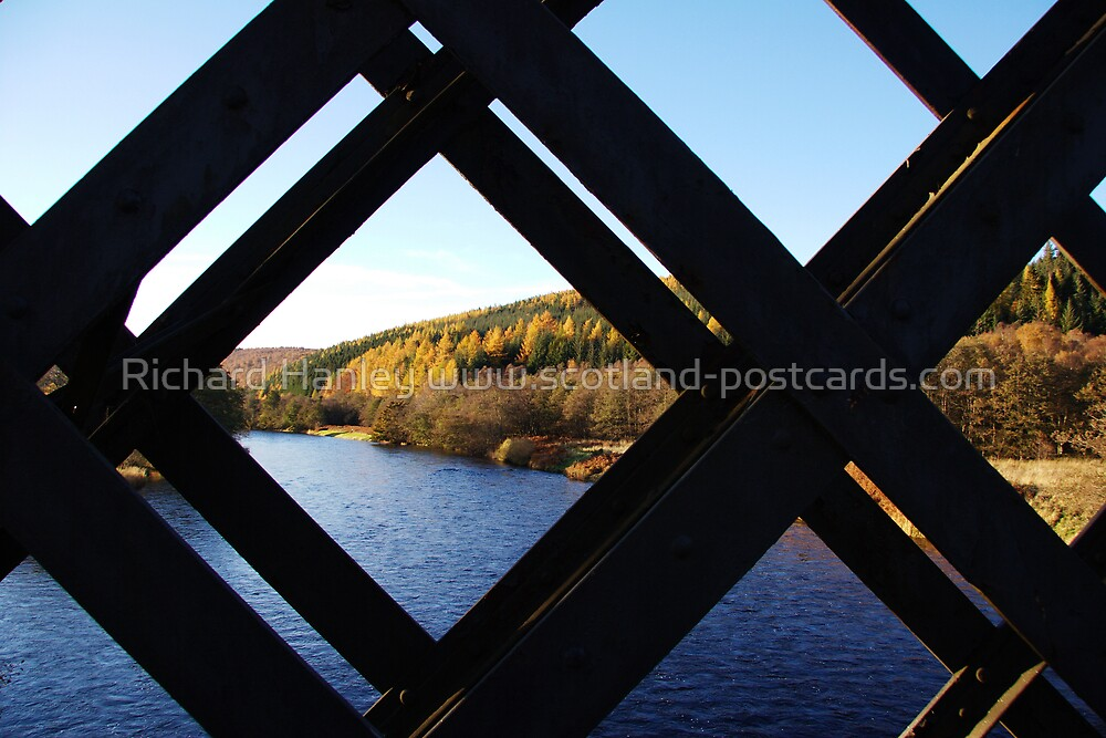 Colour Grid by Richard Hanley www.scotland-postcards.com