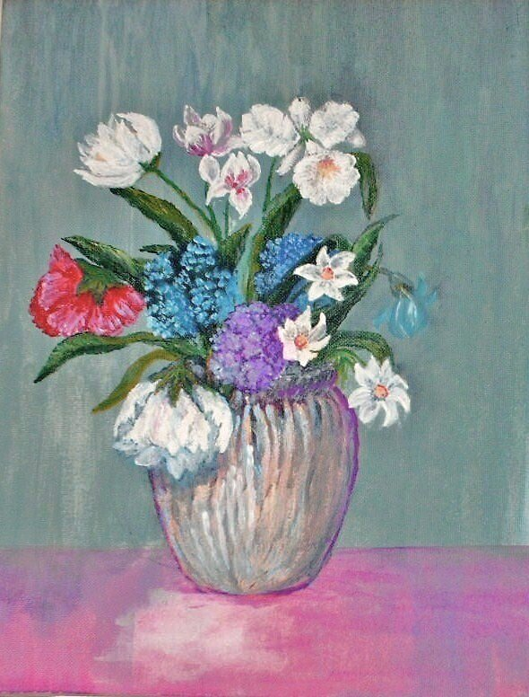 Flowers in the vase by Barbara Maderak