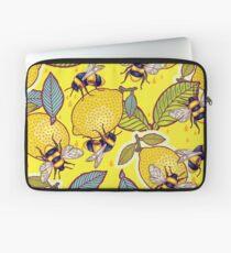 Gelber Zitronen- und Bienengarten. Laptoptasche