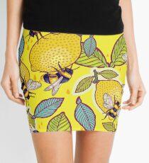 Gelber Zitronen- und Bienengarten. Minirock