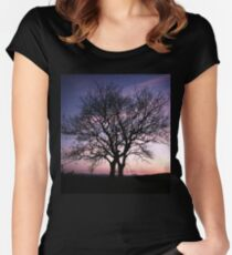 Two Trees embracing Women's Fitted Scoop T-Shirt