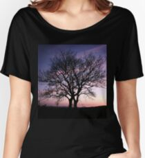 Two Trees embracing Women's Relaxed Fit T-Shirt