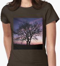 Two Trees embracing Women's Fitted T-Shirt