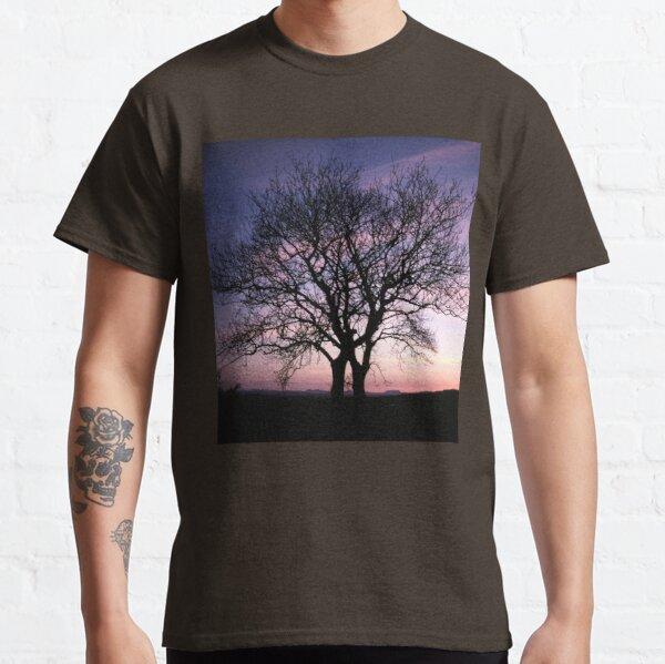 Two Trees embracing Classic T-Shirt