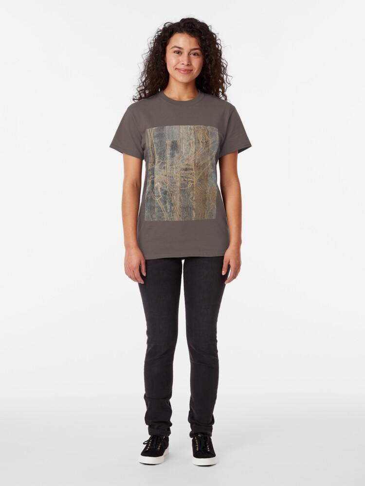 Alternative Ansicht von wunderliche Gänseblümchenblume graviertes Holz barnwood Classic T-Shirt